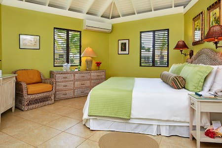 Superior Room at Nisbet Plantation - New Castle