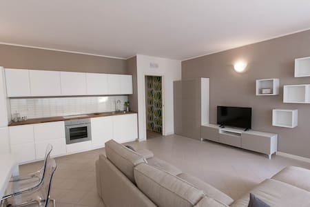 New flat with terrace just ouside Pietrasanta! - Пьетрасанты - Квартира