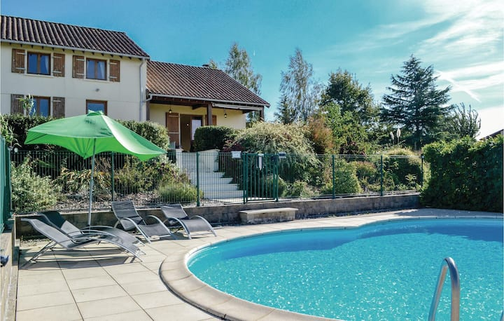 Awesome home in St. Saud Lacoussiere with WiFi and 3 Bedrooms