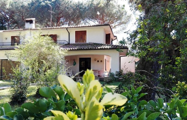 Villa Rox - Baia d'Argento (tra Circeo e Sabaudia)
