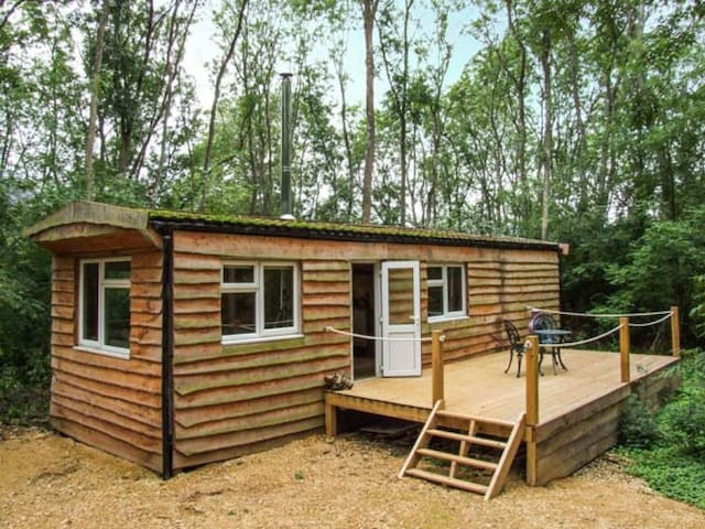 Waney Lodge, Woodland retreat