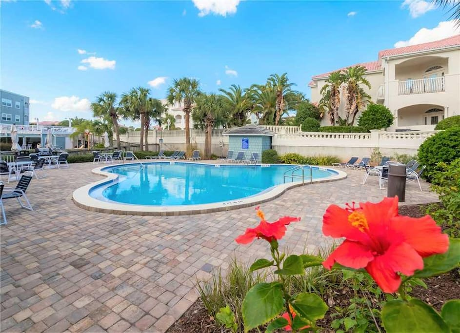 Fun in the Sun at the Pool - Swimming in the pool is one of the best parts of a vacation. Head over to the Hibiscus Resort commun