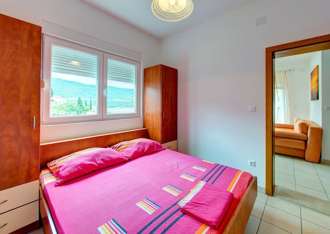Apartments D&M - Apartment with Sea View (A1)