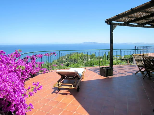 Apartment Res. Le Poste del Pianone for 6 persons