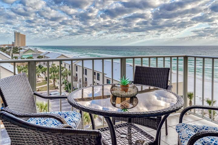 Regency Towers-Unit 624- 3 Bedroom, 2 Bath Luxury Condo With Shoreline Views