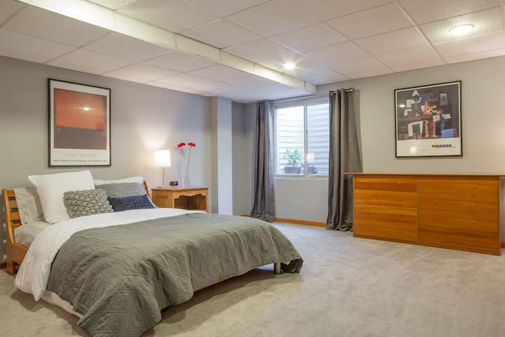 Spacious Basement Bedroom - Westminster - Huis
