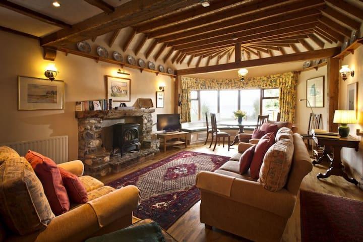 Luxurious 5 Star Rest Cottage, sleeps 6 - Cornwall - Sennen Cove - Villa