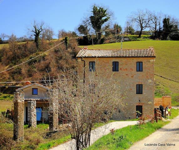 Locanda Casa Valma - Arcevia - Bed & Breakfast