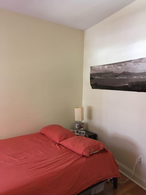 Queen size bed, memory foam!
