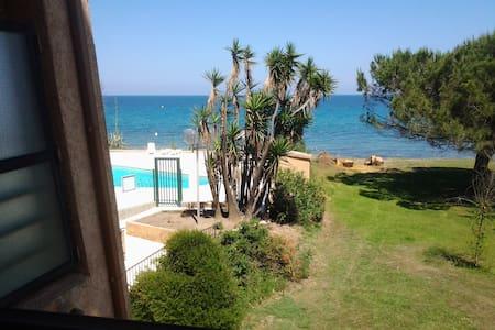 Joli studio face à la mer :) - Santa-Lucia-di-Moriani