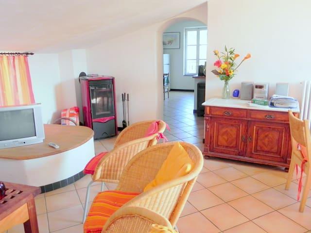 Großes Ferienhaus mit Komfort u. Meerblick Riviera - Isolalunga - Hus