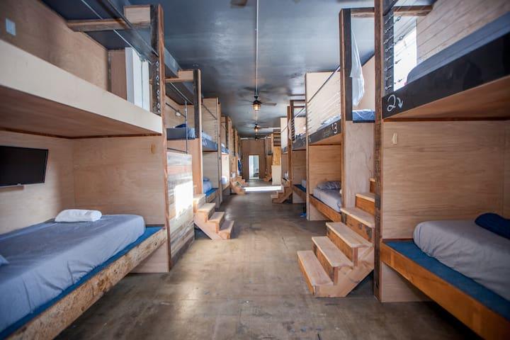 Private Room 4 Pods DTLA