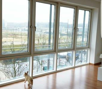 Luxuriöse Wohnung mit Wasserblick - Apartment