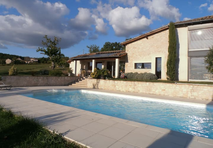 Ferme rénovée au coeur des vignes, piscine et SPA