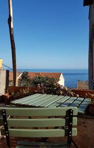 Maison de village  350 m de la plage /5 mn du port