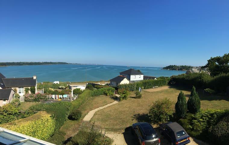 Maison de famille avec superbe vue sur mer