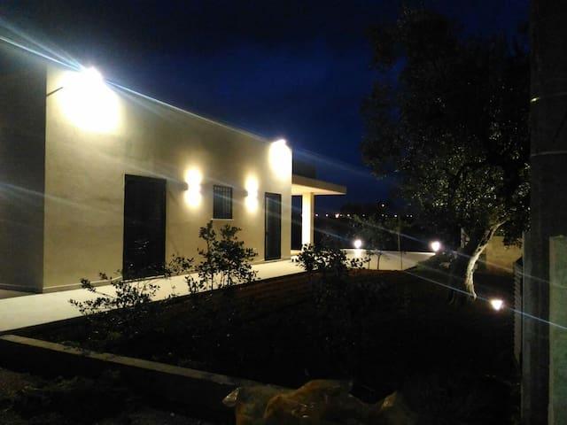 Casa immersa nel verde - Taurisano - Дом