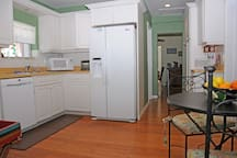 Spacious kitchen with dinette breakfast table