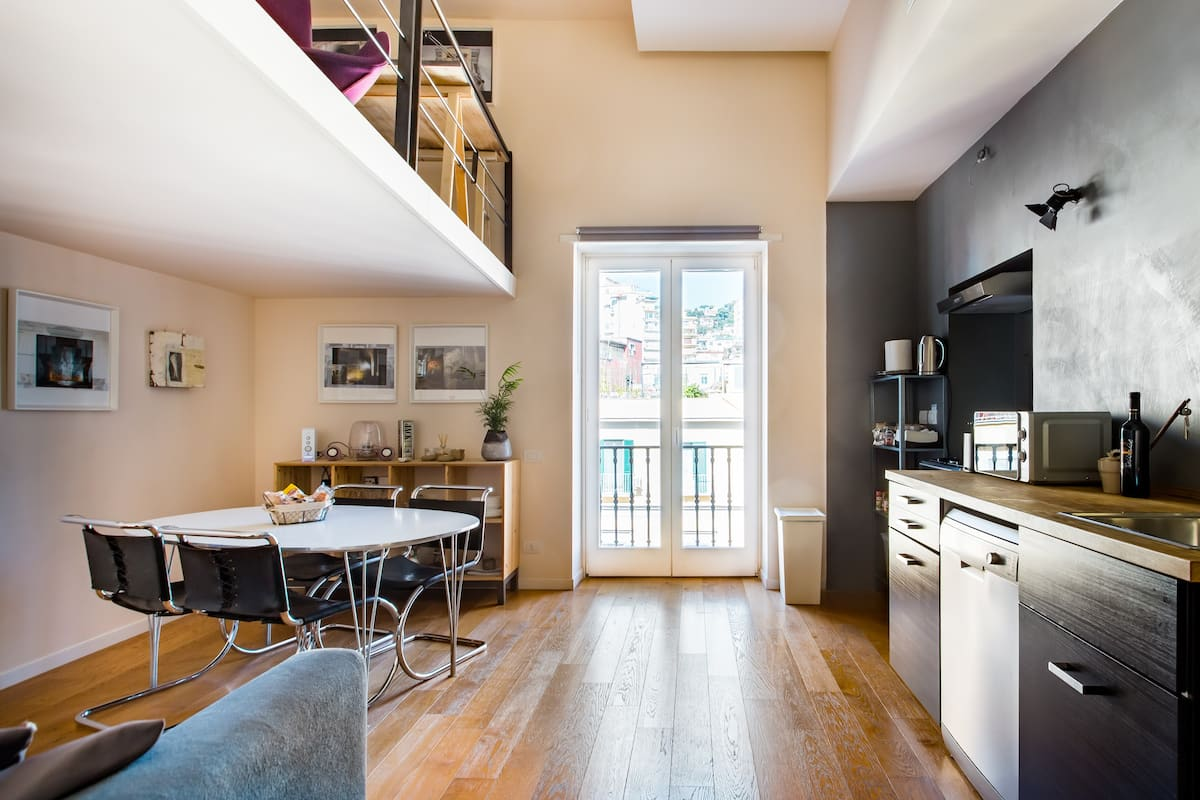 Funky Split Level Living in Designer Flat in Heart of Naples
