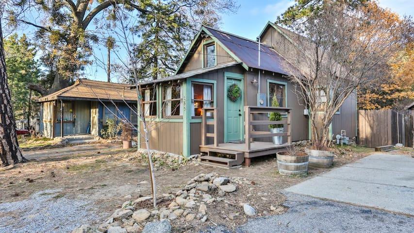 Cozy Vintage Cabin - Crestline - Cabana