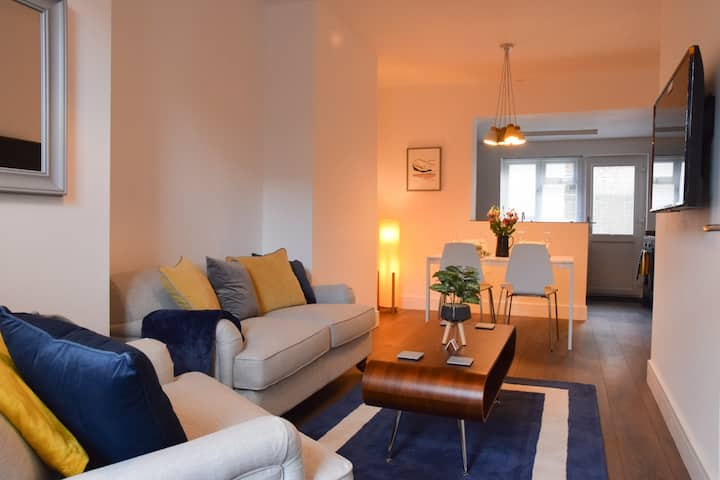 Well equipped 2 bedroom terrace near City centre
