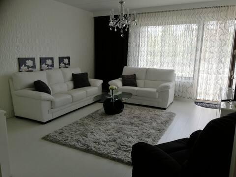 Apartment siisti ja kaunis kolmio!