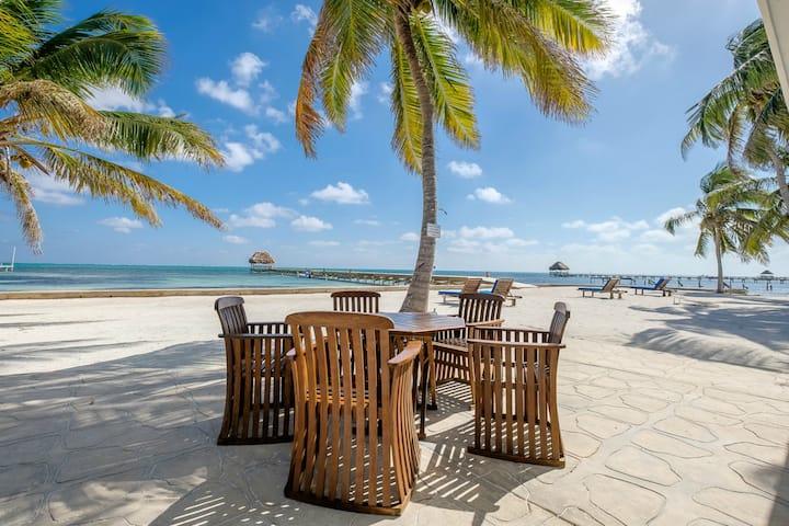 Sunset Beach Resort A4-Beachfront, Kayaks/Bicycles