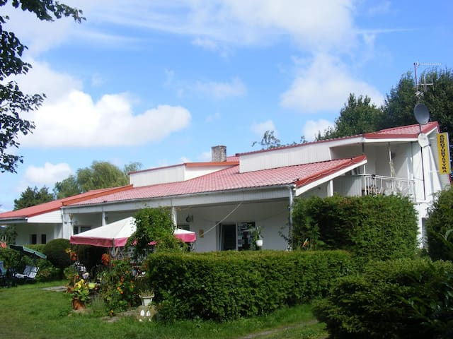 Agritourism,rooms for rent all year - Chłopy - Huis