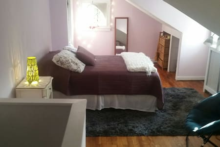 3rd floor bedroom with TV and private ba Narberth - Narberth