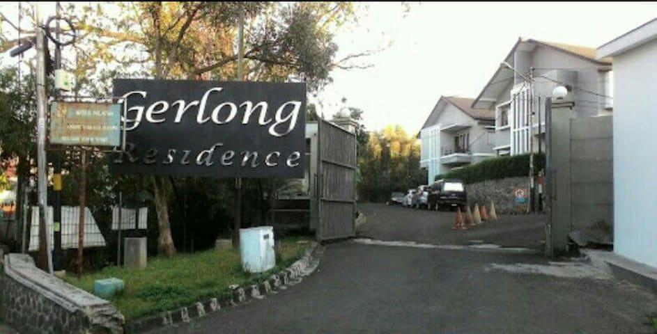 Homey Gerlong Residence, north Bandung