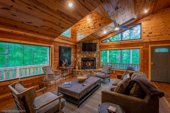 Serene Elegant Cabin for Families/Couples!