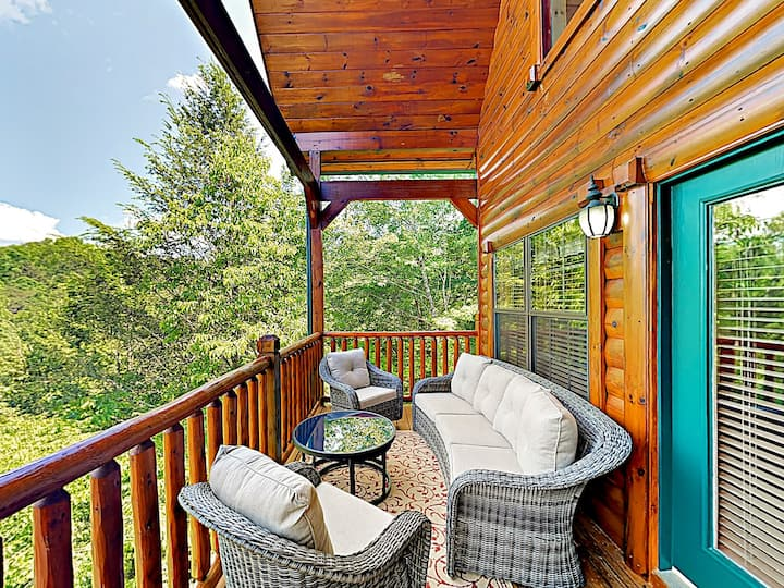 2 Luxury Mountain Cabins with Hot Tubs