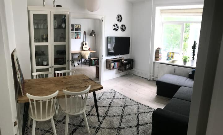 Trendy, cozy and spacious apartment, Frederiksberg