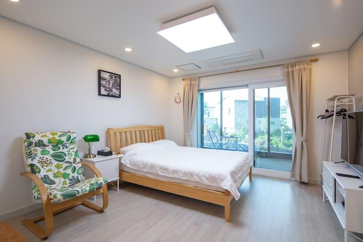 Sea-ddang(시땅) Stay #103호 in Aewol, Jeju