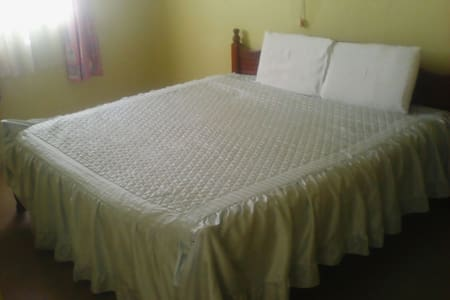 Cool Serene double bed rooms - Kikuyu