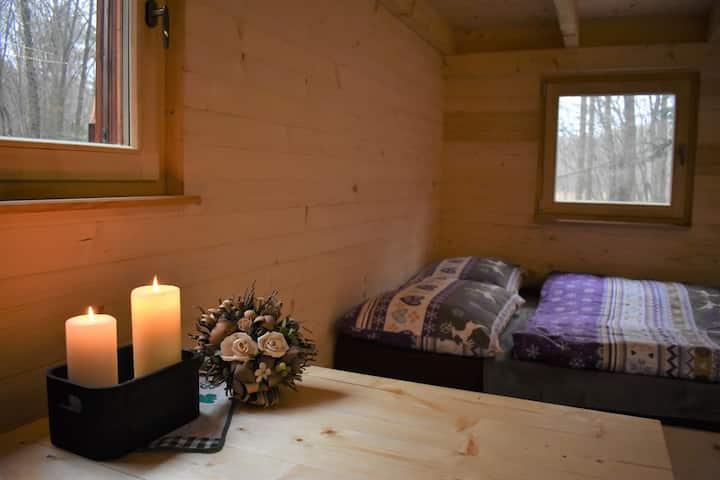 Nový romantický zateplený treehouse blízko Bojníc