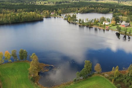Amazing lakeside cabin - Jönköping N - Dom