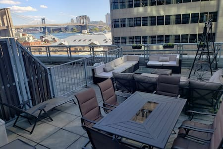 ⋆ Luxury FiDi Terrace Apt w/ Brooklyn Bridge views