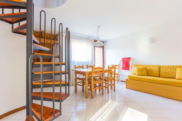 Sunny apartment in Ponte Arche - Comano Terme - Lägenhet