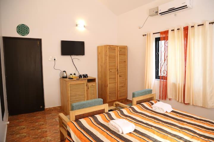Baywalk Goa  [ 6 rooms ] - Morjim - Villa