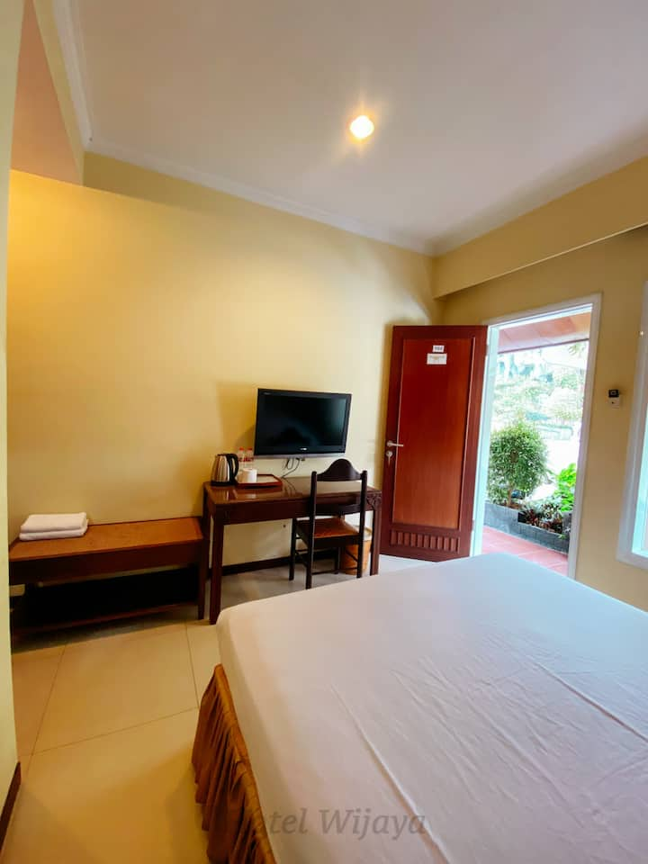 Comfortable Orchid Room in Batu Malang
