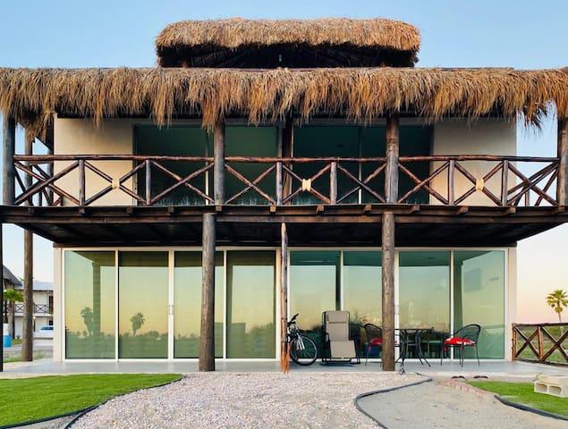 Hermoso y amplio departamento de playa en privada.