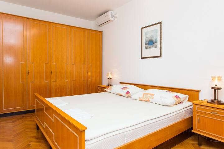 Guest House Ljubica - Double Room with Private Bathroom