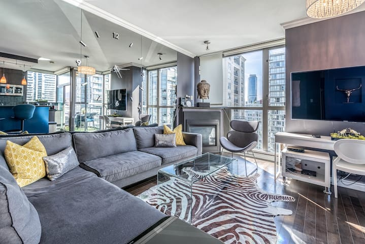 Chic 1 bdrm + 1 bath in Central Downtown Vancouver