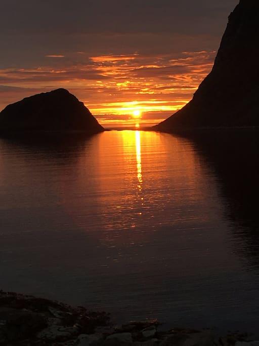 Hauklandstrand - midnightsun 20 min drive