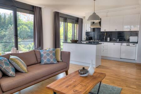 2 Bedroom Apartment in Etiler Overlooking Greenery - Beşiktaş