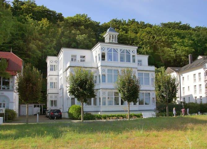 Villa Agnes Wohnung 11 - Binz - Apartment