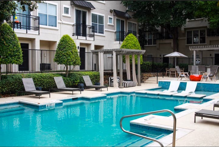 Convenient Loc. 10Min From DnTown Dfw Off 75 Exp.