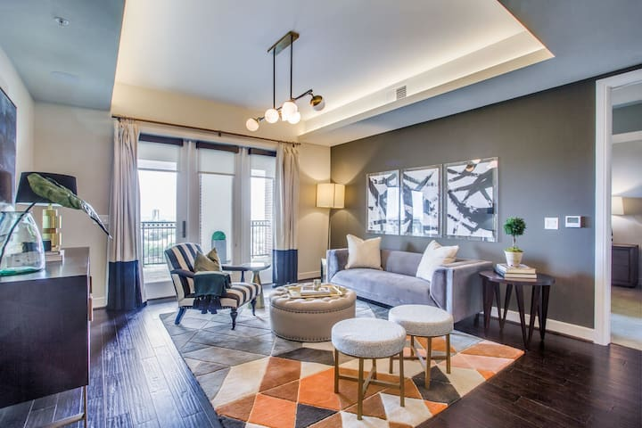 Comforts of home + convenience | 2BR in Houston
