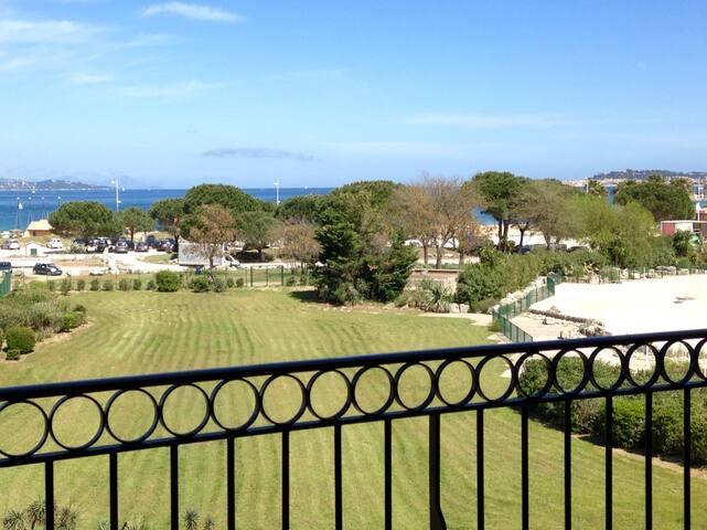 Chez Mapix vue golfe de ST TROPEZ
